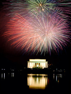Fireworks at Lincoln Memorial